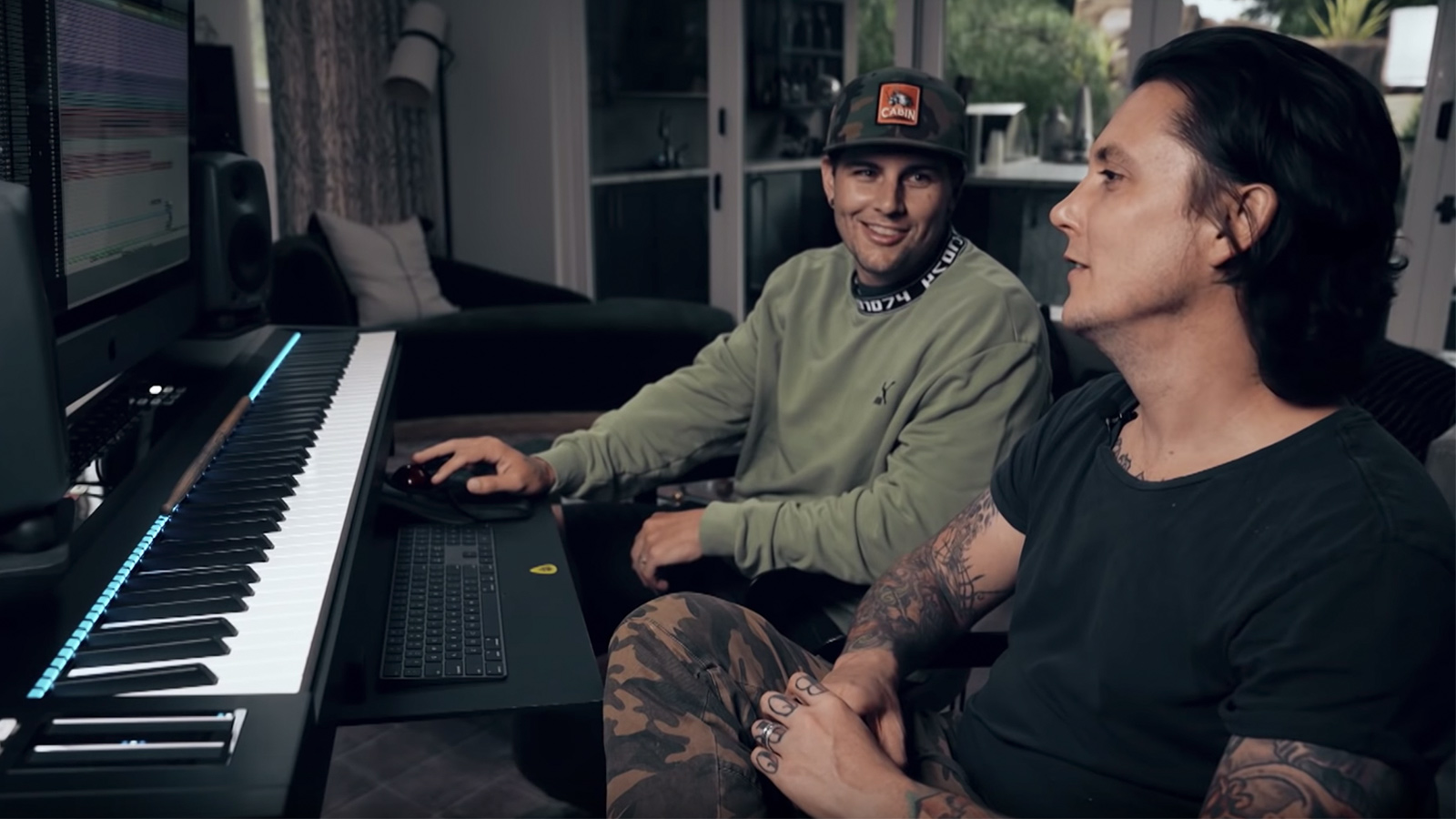 Watch Avenged Sevenfold S M Shadows Synyster Gates Dissect The