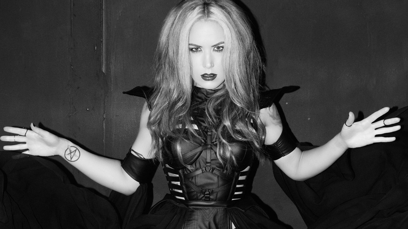 Songs For Black Days Arch Enemy S Alissa White Gluz Revolver