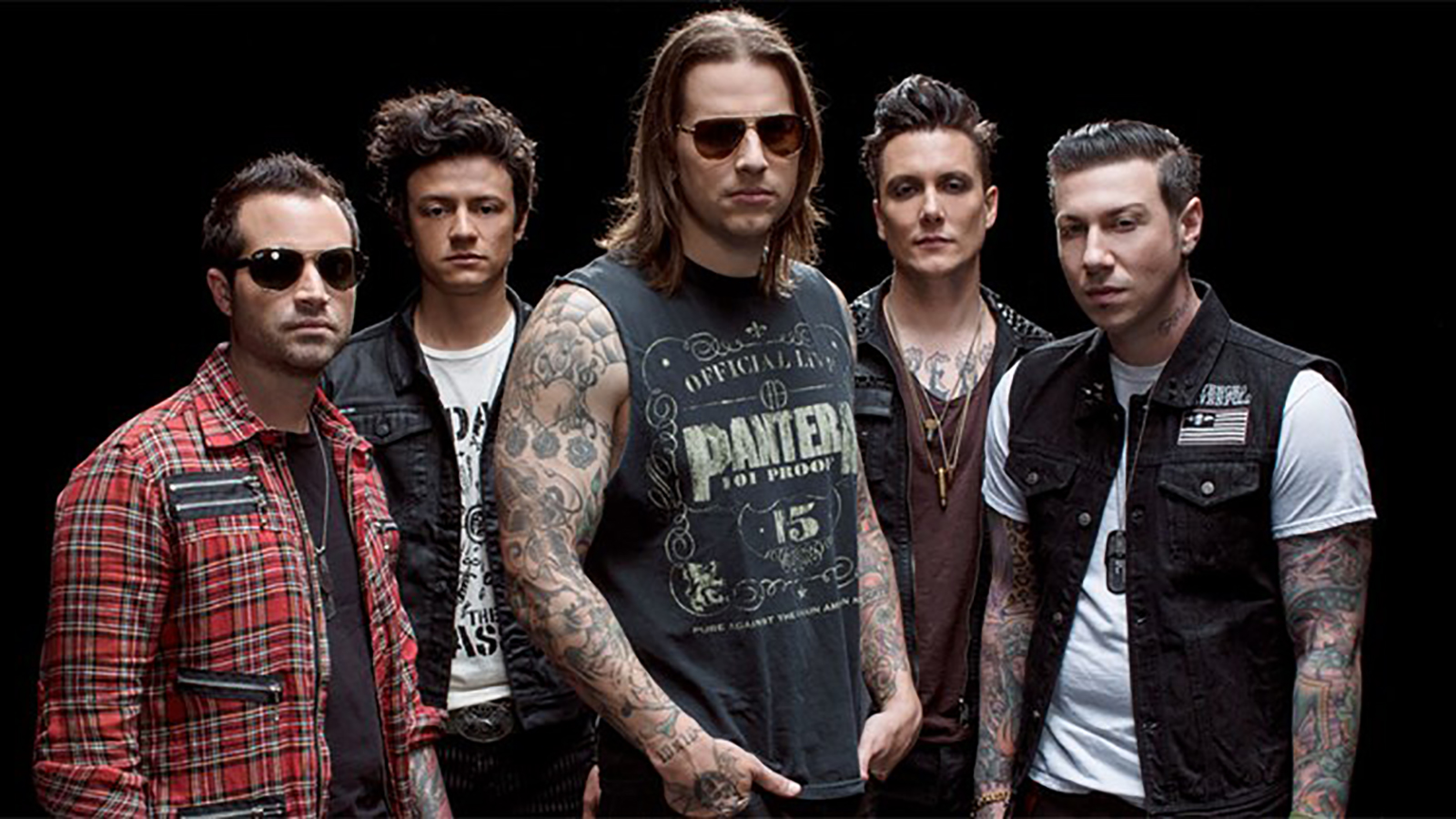 "Hear Avenged Sevenfold's Previously Unreleased Power Ballad ""Set Me Free"""