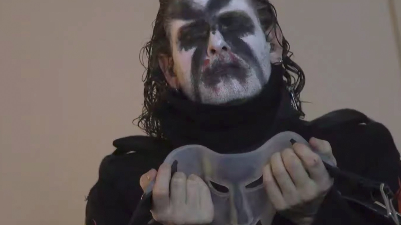 See Slipknot's Pre-Show Rituals, Backstage Antics in New Tour Recap Video