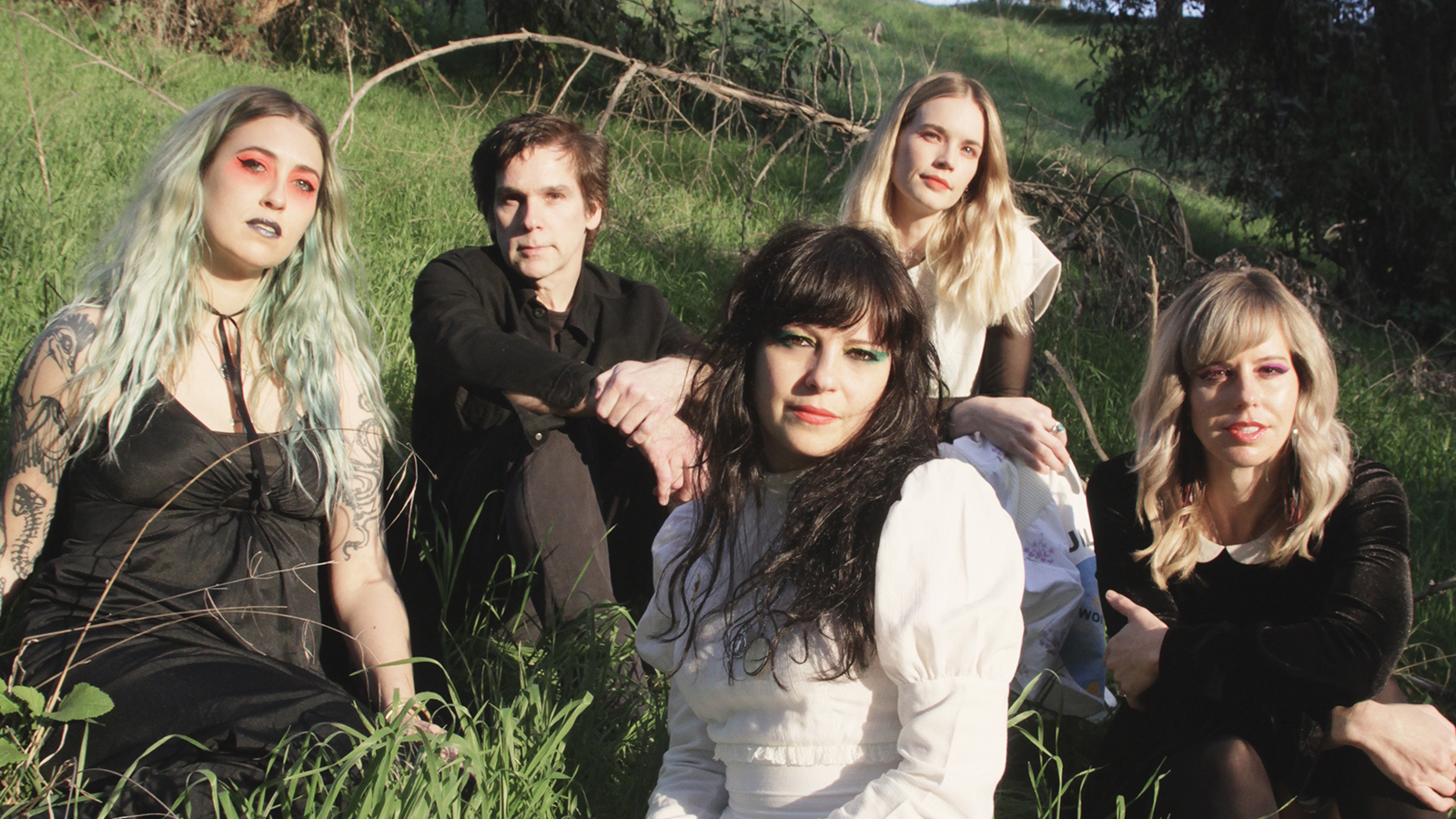 """Hear Death Valley Girls Cover """"Breakthrough"""" in Tribute to Damien Echols' Magickal Teachings"""