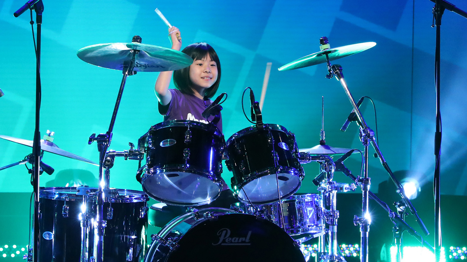 See Foo Fighters' Dave Grohl Surprise 9-Year-Old Drum Prodigy on 'The Ellen Show'