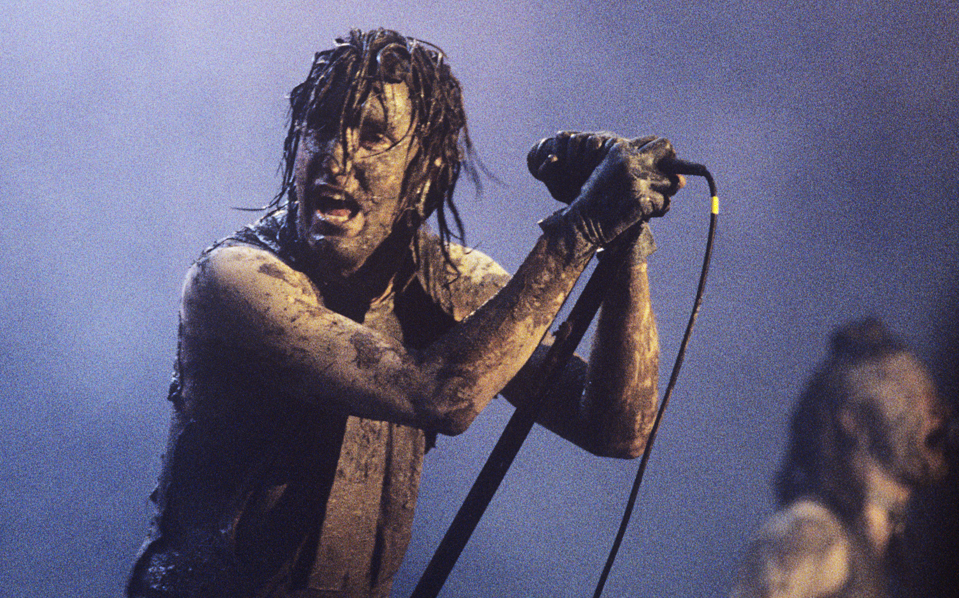 Watch Nine Inch Nails Demolish Joy Division\'s \
