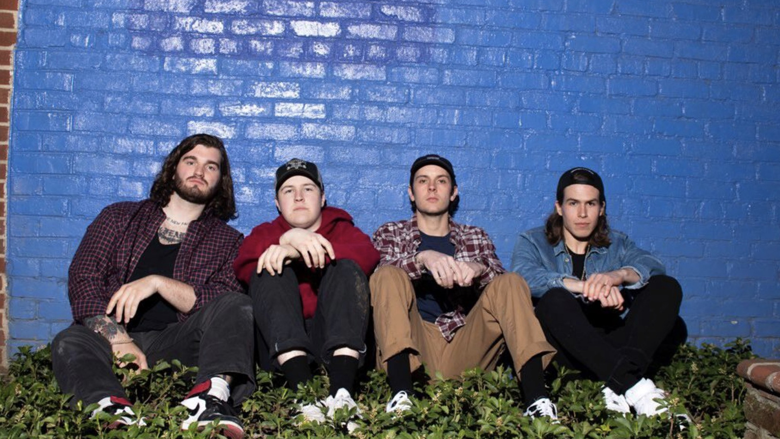 """Hear Rising Metallic Hardcore Band Outsider's Scathing New Song """"Life Runs Out"""""""