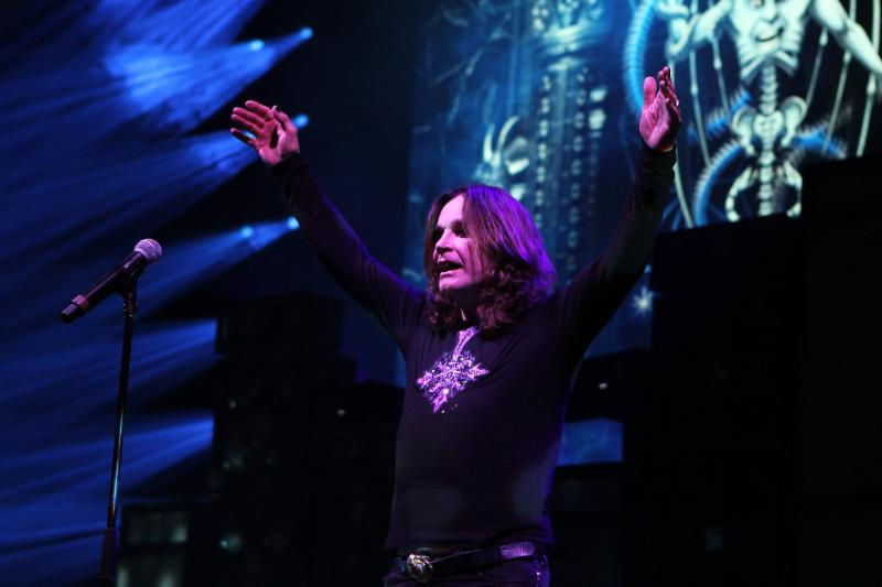 """Sharon Osbourne Gives Ozzy Health Update: Singer """"Out of ICU, Breathing on His Own"""""""