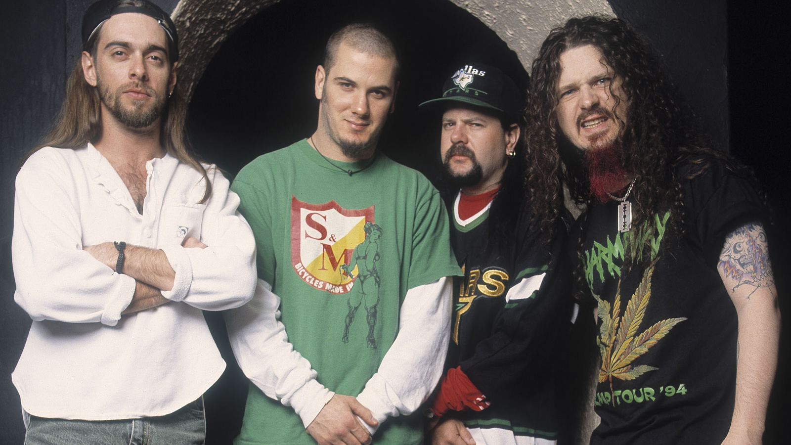 Pantera Announce Limited-Edition 'Cowboys From Hell' Collectible Statues