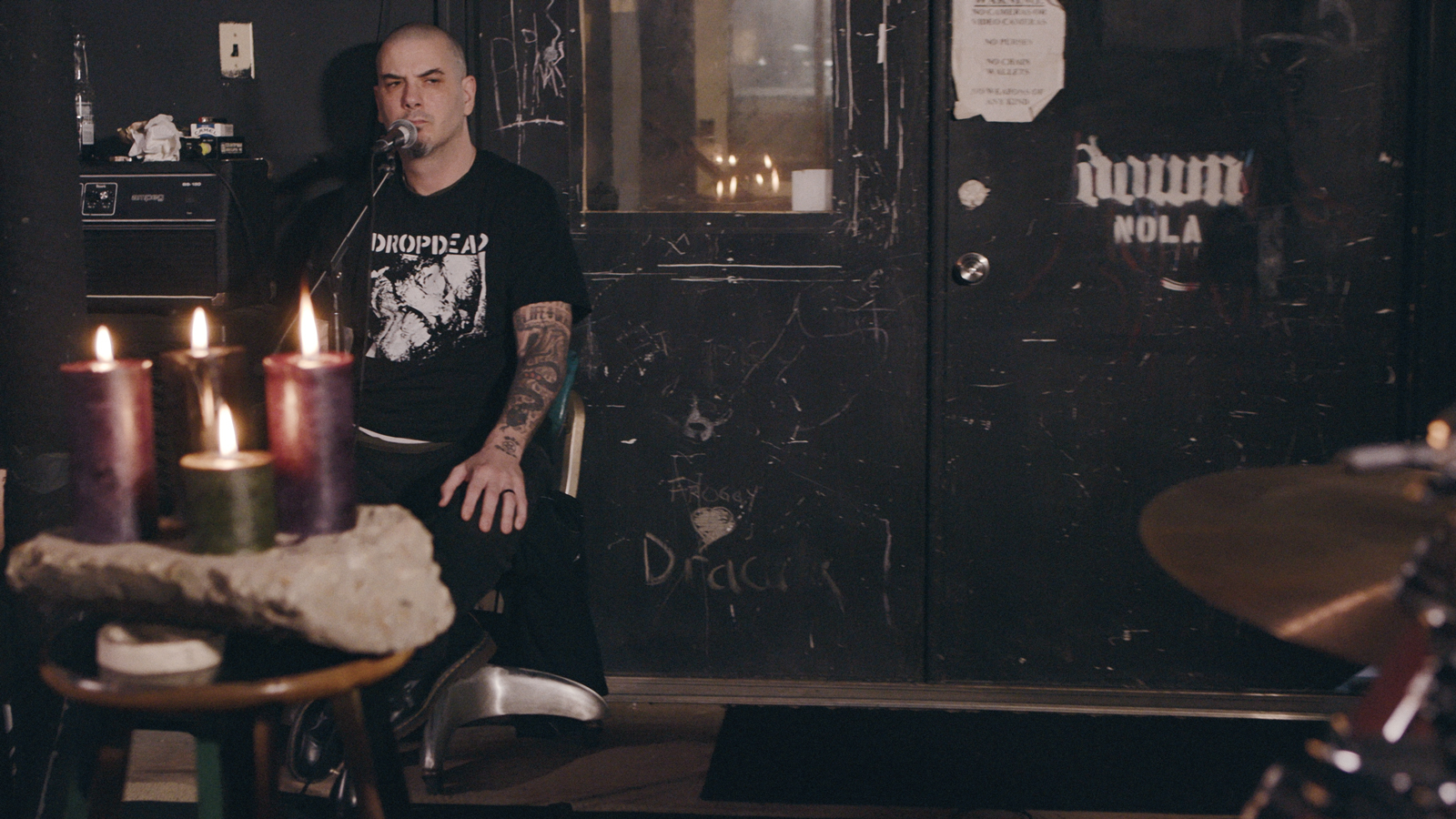 "Hear Philip Anselmo's Acoustic ""Depression Core"" Project En Minor"