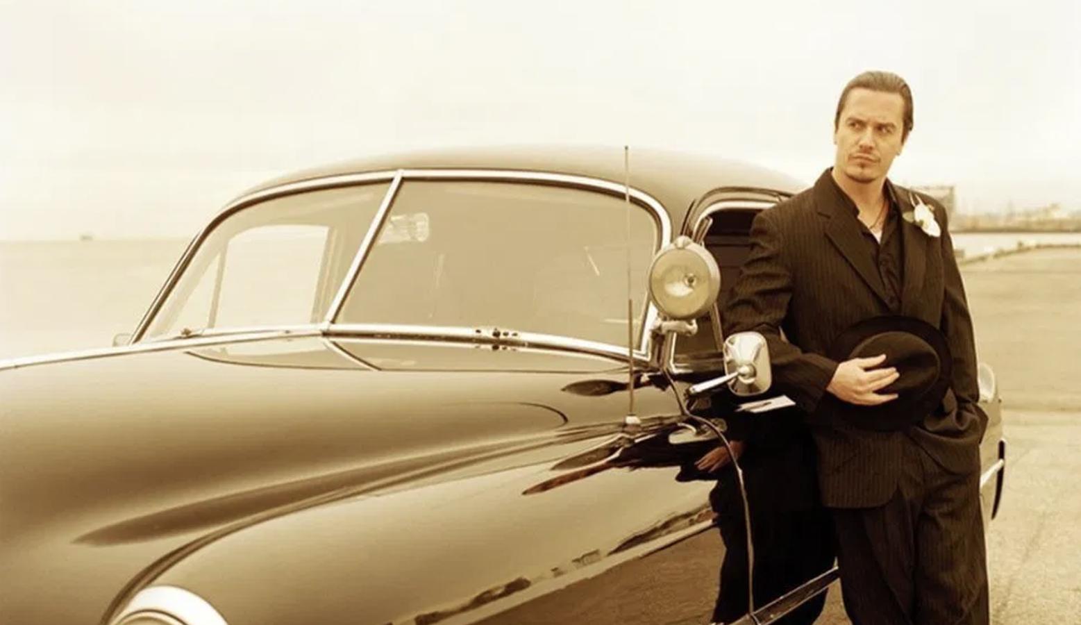 "Watch Mike Patton Sing Mr. Bungle's ""Retrovertigo"" With Mondo Cane"