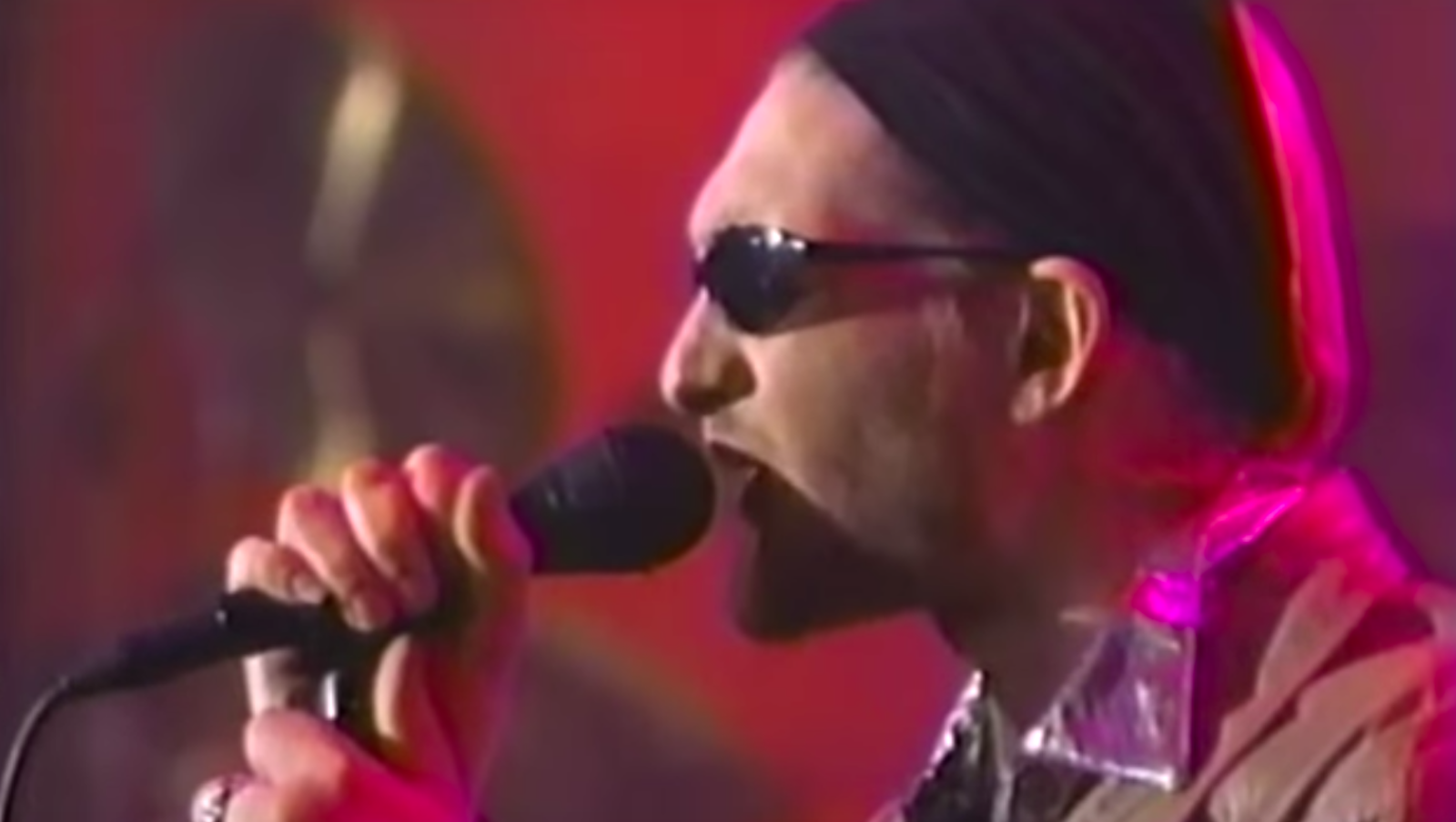 """See Alice in Chains Play """"Again,"""" """"We Die Young"""" on 'Letterman' in 1996"""