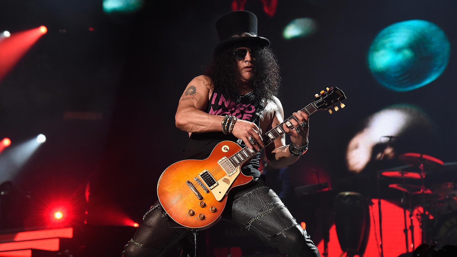 Slash Talks Miraculous Guns N Roses Reunion New Album Lemmy S