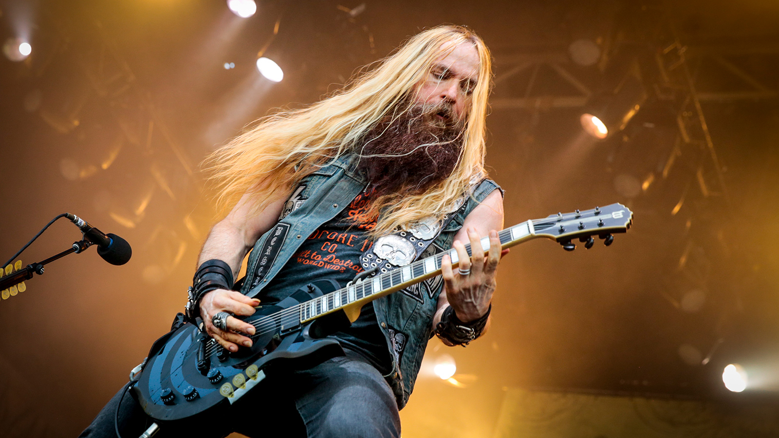 It is a graphic of Adorable Black Label Society Sonic Brew 20th Anniversary Review