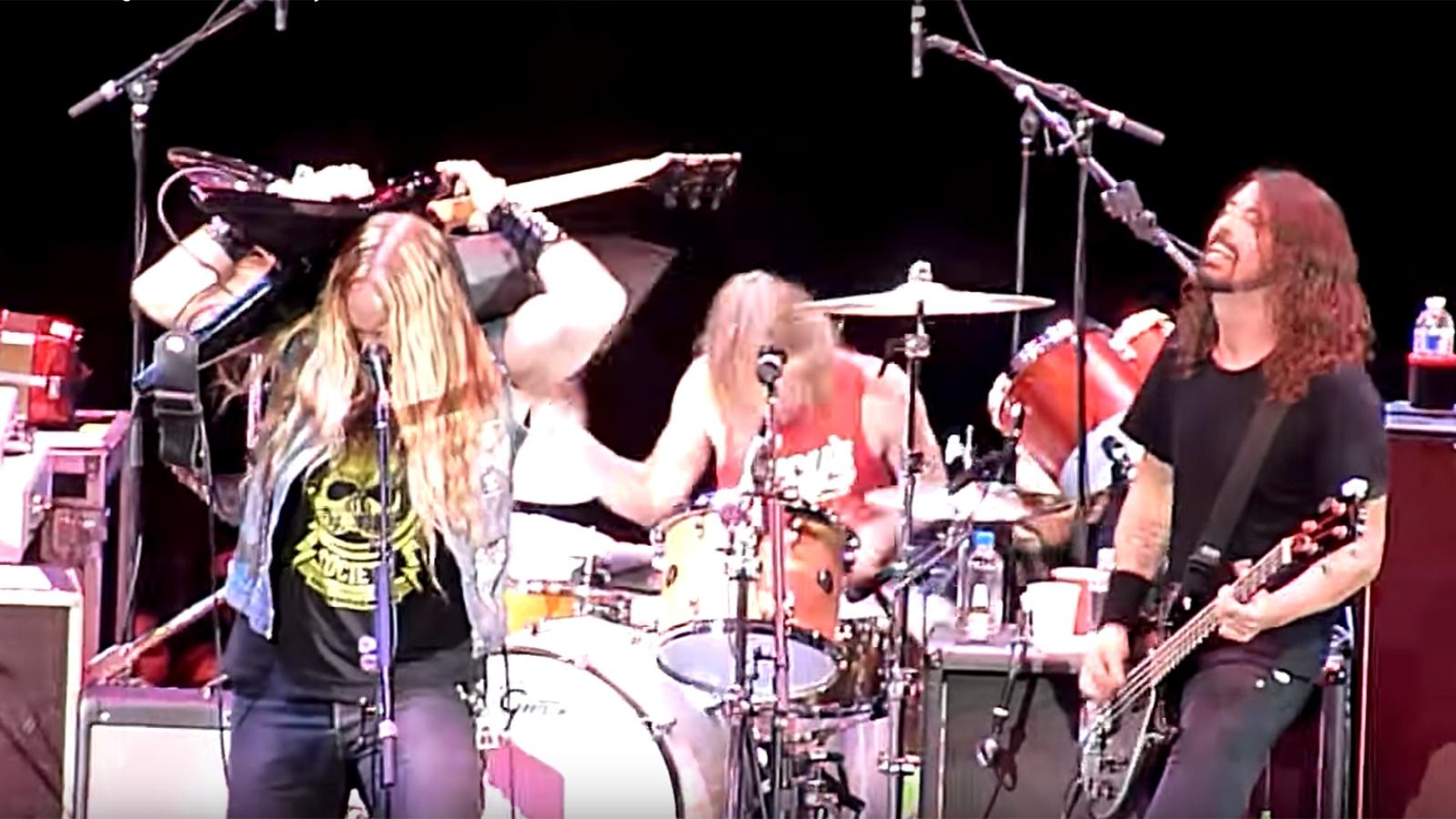 "See Foo Fighters, Zakk Wylde Perform Rowdy Black Sabbath ""N.I.B."" Cover"