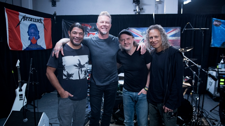 metallica beats 1 PRESS 2017