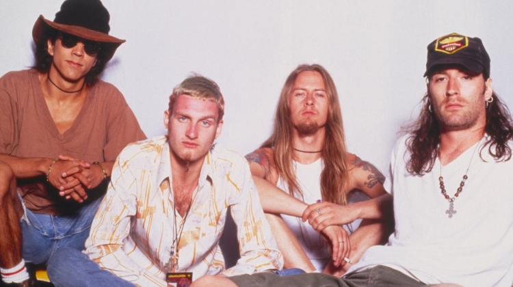 alice in chains band with mike inez getty, Chris Carroll / Corbis / Getty