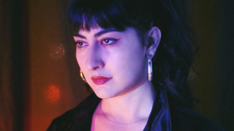 miserable , Tania Apolinar