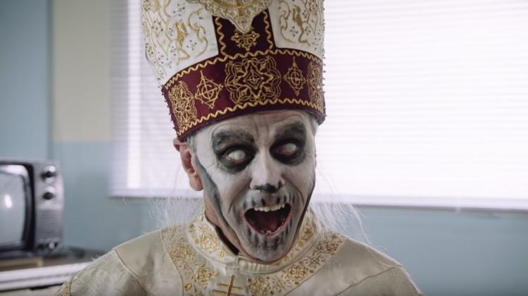 ghost-papa-surprise-grab.jpg