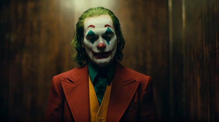 joker-grab.jpg