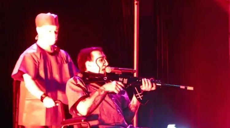 Marilyn Manson Gun