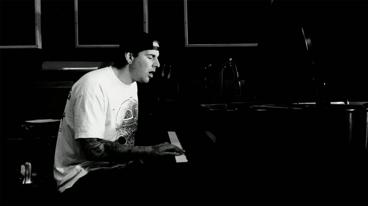 m shadows atreyu video still