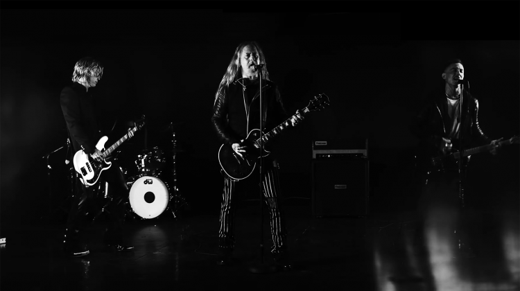jerry cantrell solo video still