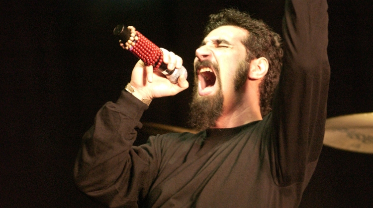 serj tankian system of a down GETTY 2001, L. Cohen/WireImage