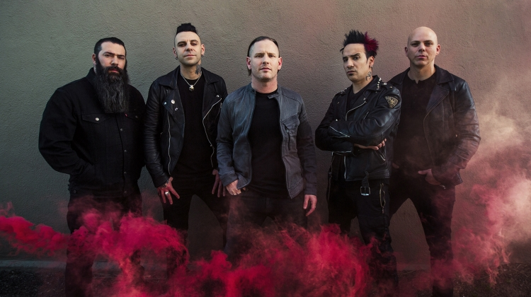 Stone Sour, Travis Shinn