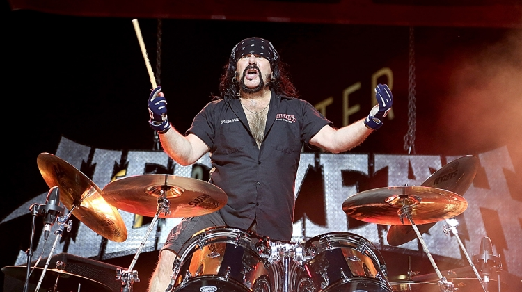 vinnie-paul-hellyeah-gettyimages-493749159.jpg, Gary Miller/Getty Images
