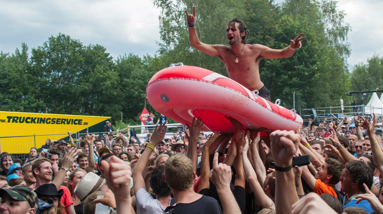 mosh raft tales from the pit