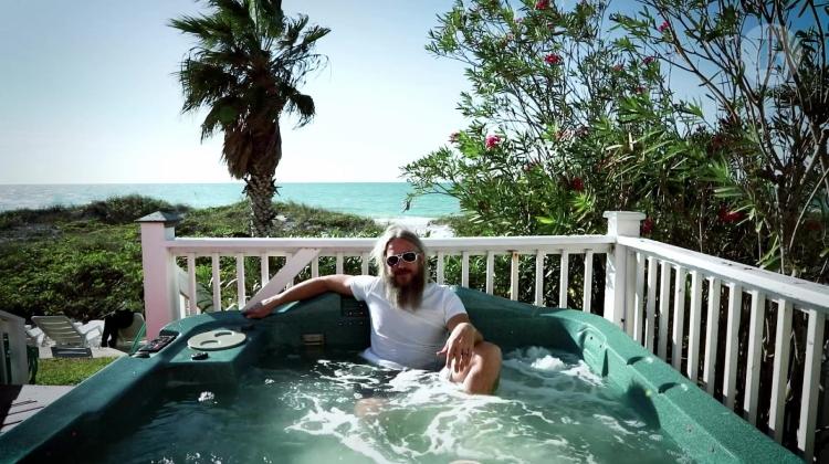 mastodon troy sanders hot tub