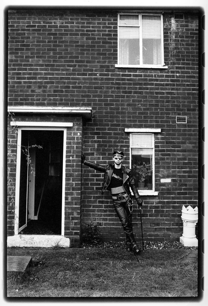 ross halfin priest rob at council flat, Ross Halfin