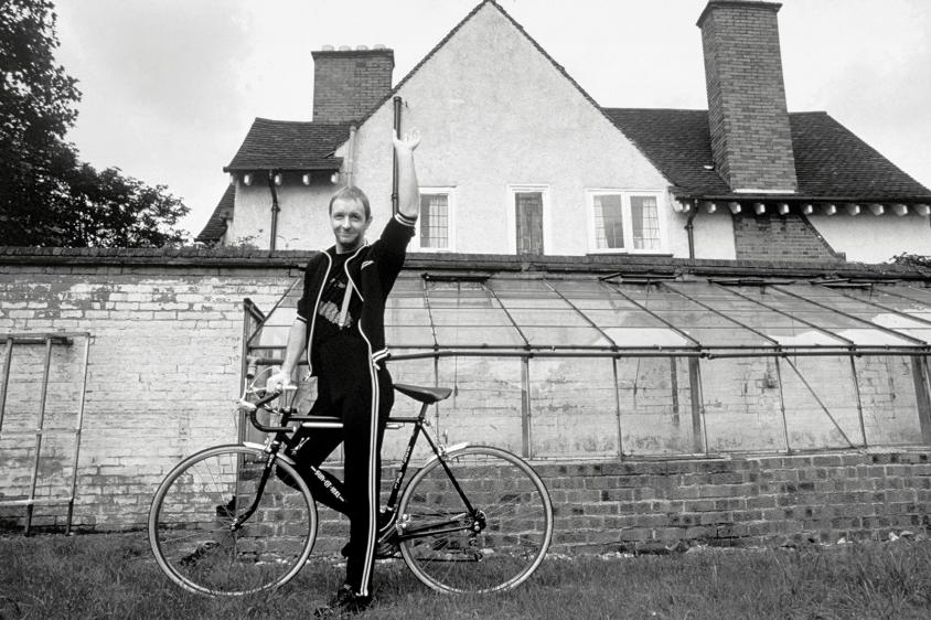 ross halfin priest rob bicycle, Ross Halfin