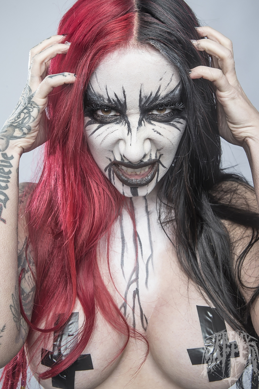 ash costello new years day daughters of darkness, Jeremy Saffer