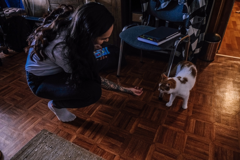Tatiana Shmaylyuk of Jinjer studio with cat 2021, Oleg Rooz