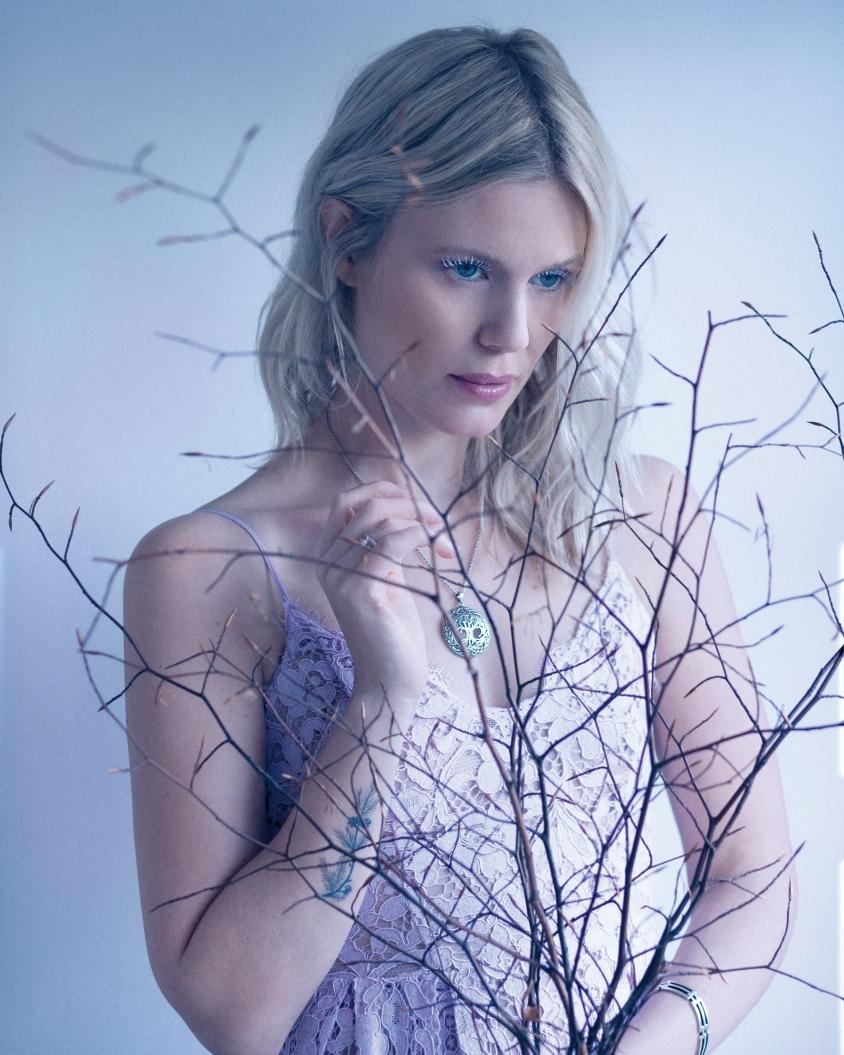 myrkur_2018_2_credit_dariaendresen.jpg, Daria Endresen with hair and makeup by Mia Pelch