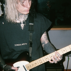 ghostemane guitar crop, Akiva Alpert