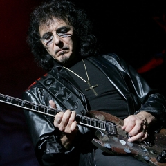 tony-iommi-2008-gary_miller-getty-web-crop.jpg, Gary Miller/Getty Images